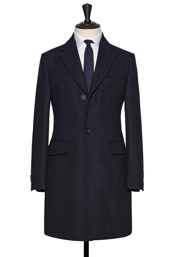 Темно-синее пальто
