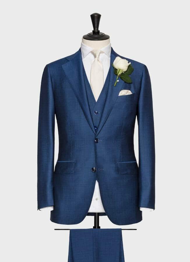 Ярко-синий свадебный костюм