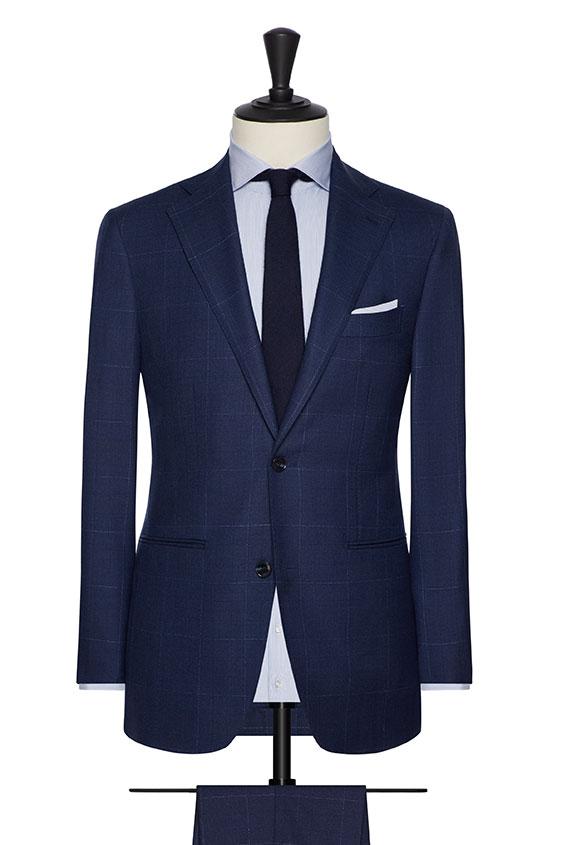 Синий костюм в контрастную клетку