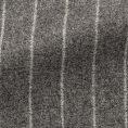 Серый фланелевый костюм в широкую полоску