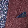 Малиновый пиджак структуры твил