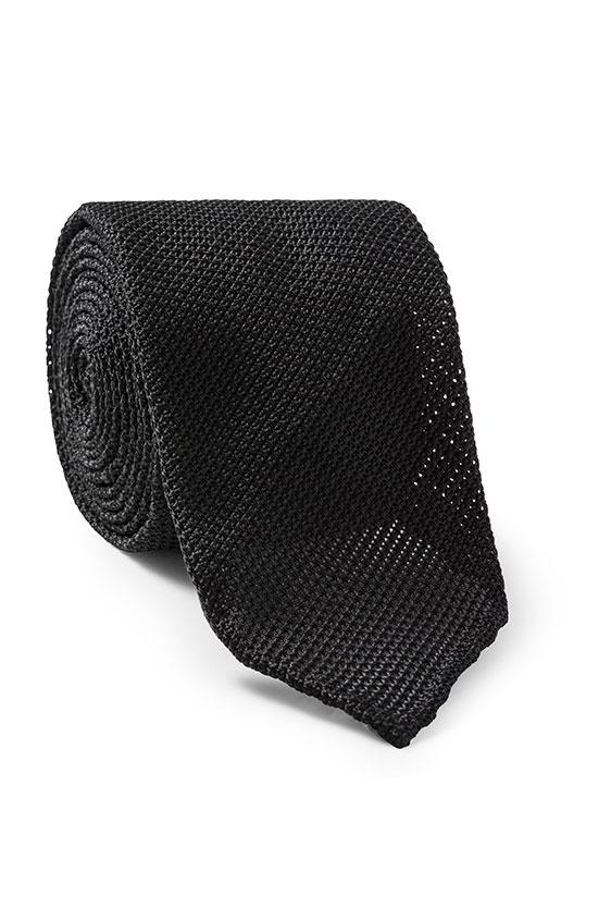 Черный галстук плетеной фактуры