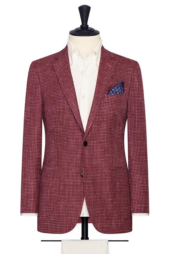 Бордовый костюм в гусиную лапку