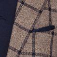Светло-коричневый пиджак в синюю клетку