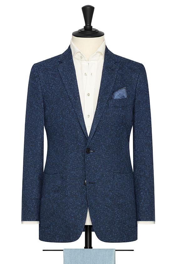 Темно-синий пиджак с объемной фактурой