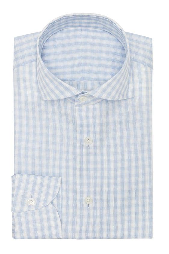 Голубая сорочка в белую клетку