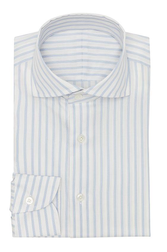Белая сорочка в голубую полоску