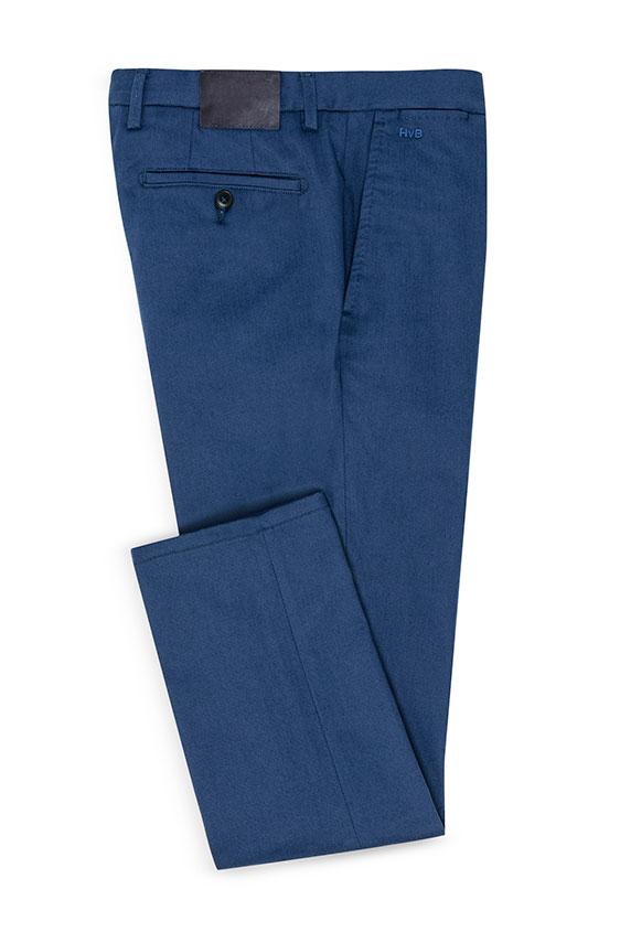 Ярко-синие брюки чинос