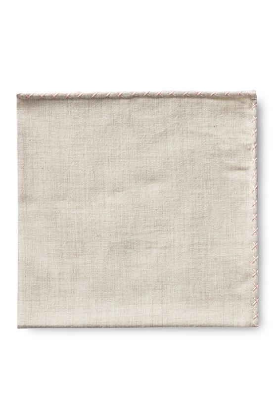 Бежевый нагрудный платок с розовой окантовкой