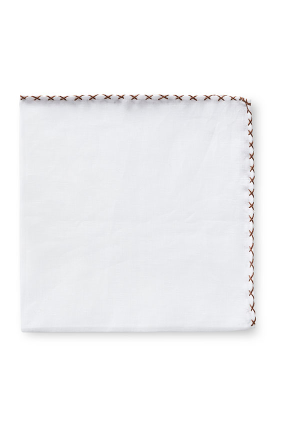 Белый нагрудный платок с коричневой окантовкой