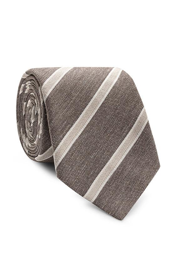 Коричневый галстук в полоску