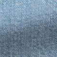 Джинсы светло-голубого цвета из стираного денима