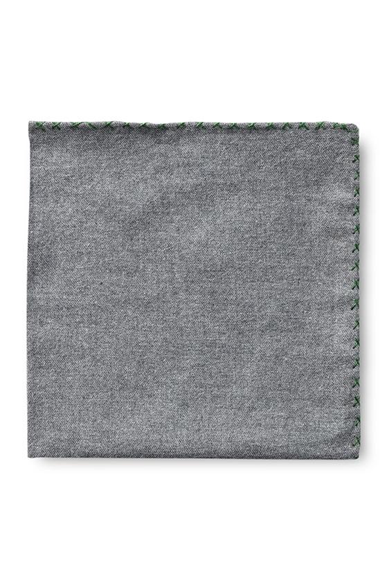 Серый нагрудный платок с зелёной окантовкой