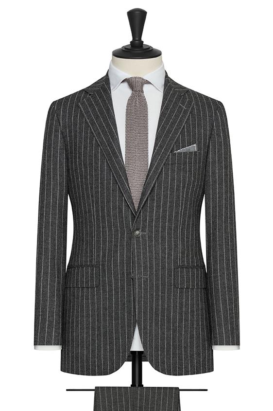 Серый костюм в светло-серую клетку